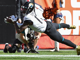 Can't-Miss Play: Chark dives for impressive 24-yard catch after double move