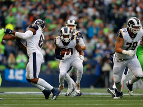 Poona Ford swallows up Todd Gurley for 5-yard loss