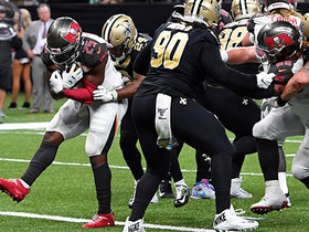 Peyton Barber leaps his way to a Bucs TD