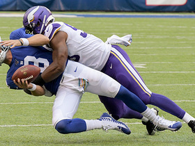 Danielle Hunter's second sack forces critical turnover on downs in red zone