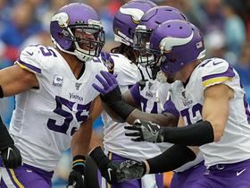 Anthony Barr jumps route for fourth-down INT to seal victory