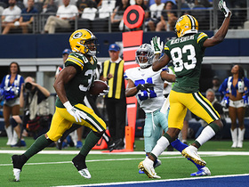 Aaron Jones cuts through Cowboys' defense with rushing TD