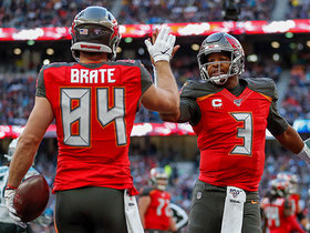Jameis Winston finds Cameron Brate for wide-open TD