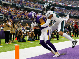 Adam Thielen tricks Eagles CB on double move for TD