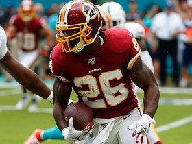 Adrian Peterson bounces outside for 18-yard scamper
