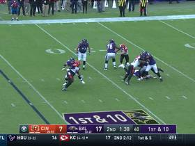 Carl Lawson drops Lamar Jackson for sack