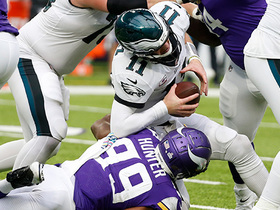 Vikings hunt Wentz down for a HUGE sack on third down