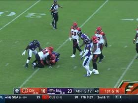 Tyus Bowser comes FLYING off the edge for sack