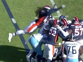 Broncos LB hilariously hops on pile to finalize sack of Mariota