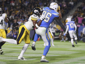 Hunter Henry gets both feet down to haul in Chargers' first TD