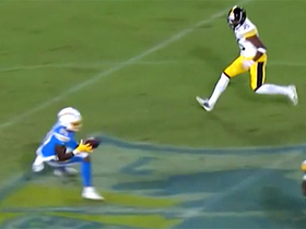 Jason Moore sneaks into empty space for first career catch