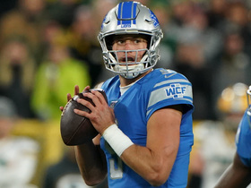 Stafford shows absurd arm strength on slipping sideline laser