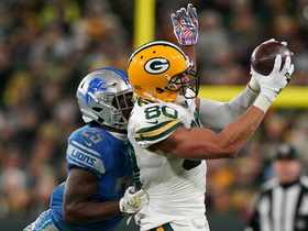 Graham pulls in clutch Rodgers pass for crucial first down
