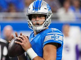 Stafford dials launch codes to Marvin Hall for 47 yards