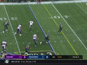 Lamar Jackson beats K.J. Wright, Bobby Wagner for first down