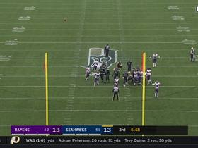 Jason Myers' 53-yard FG try is no good after sailing wide right