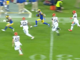 Robert Woods dashes down the sideline on 31-yard catch and run