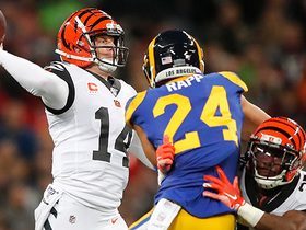 Dalton dissects Rams' D with 27-yard dart to Eifert