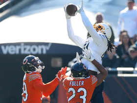 Can't-Miss Play: Mike Williams gets MAJOR air to snag deep ball between two DBs