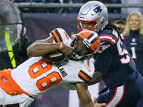 Demetrius Harris beats Dont'a Hightower for Browns' first TD