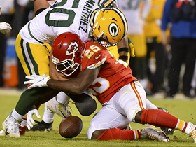 LeSean McCoy gifts Packers a fumble