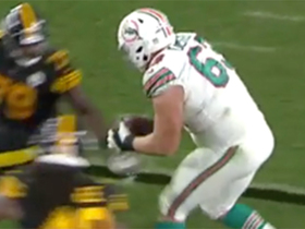 310-pound OL Michael Deiter nabs first career catch on deflected pass