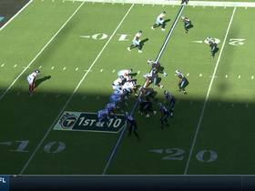 Shaq Attack! Thompson goes untouched through gap for easy sack