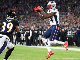 Mohamed Sanu pulls in first TD with Patriots