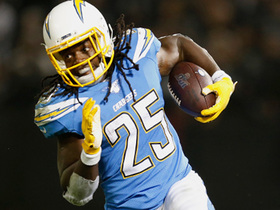 Melvin Gordon pinballs off Raiders' D for 24-yard gain