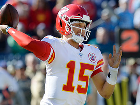Mahomes' first completion returning from injury is 10-yard pass to Watkins