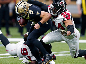 Falcons double team Drew Brees for sack