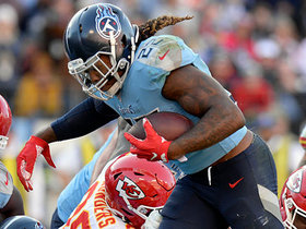 Derrick Henry glides in for TD to stay in contention