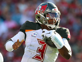 Winston shows wheels on 26-yard scramble on third down