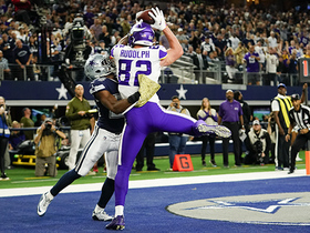 Kyle Rudolph gets UP for two-point conversion over Awuzie