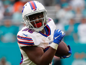 Devin Singletary breaks free for 22-yard pickup on first play
