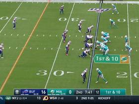 DeVante Parker beats Tre'Davious White off line for 12-yard catch