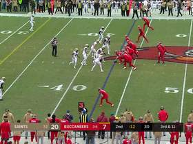 Vonn Bell corrals tipped pass for first half ending INT