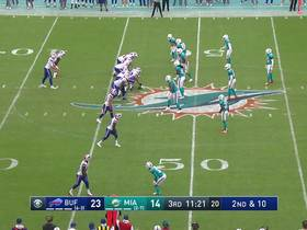 Josh Allen has all day to scan field for 16-yard completion to Isaiah McKenzie