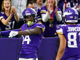 Stefon Diggs sprints past Chris Harris for 54-YARD TD