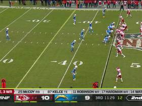 Watkins makes DB whiff with wicked juke to pick up a first down