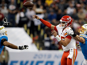 Mahomes floats fadeaway DIME to Kelce on mesmerizing 23-yard TD