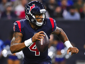 Deshaun Watson spins out of pressure to find Fells for 24-yard dart