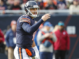 Mitchell Trubisky gets up limping after completing pass to Cohen