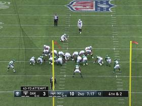 Daniel Carlson misses 43-yard FG wide left