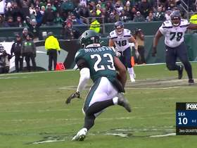Tip drill! Eagles intercept Wilson's throw for key turnover