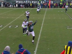 Zach Ertz snags stellar one-handed grab to pick up a first down