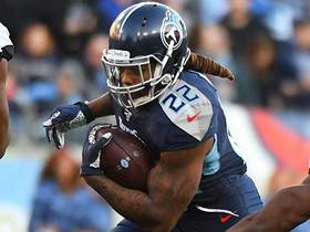 Derrick Henry carries host of defenders in on strong TD run