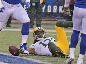 Aaron Rodgers finds Davante Adams to cap off opening drive TD
