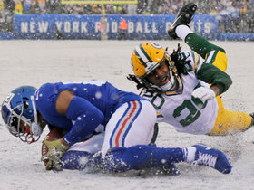Sterling Shepard slides in the snow for first TD grab since Week 3