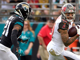 Mike Evans slashes over middle for 25-yard catch and run